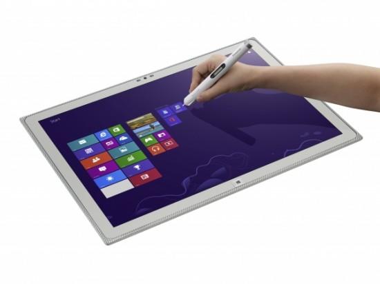 Panasonic představuje první 20″ tablet na světě s rozlišením 4K