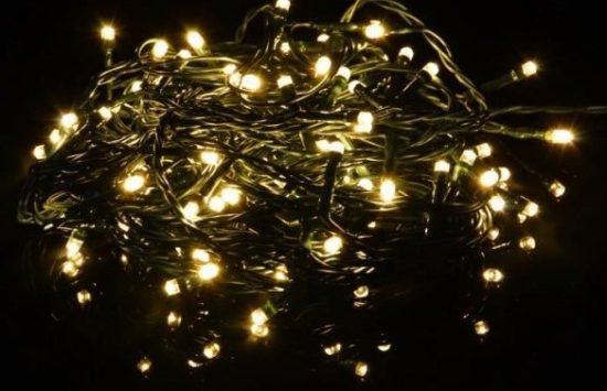 Udělej si sám aneb 7 tipů jak vyzdobit dům vánočním osvětlením