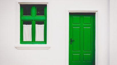 PVC dveře nabízí skvělé vlastnosti za rozumnou cenu