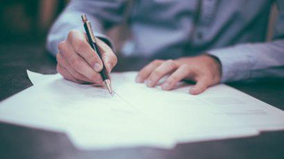 Informujte se o smluvních pokutách předtím, než se upíšete, mohly by se vám vymstít!