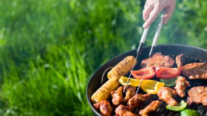 Užijte si dokonalé letní grilovačky. Poradíme, jak vybrat správný gril