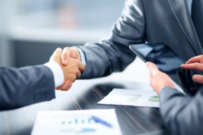 Jak financují podnikání malé firmy? Stále sází na banky